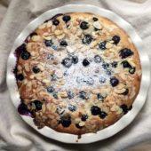 healthy oatmeal breakfast bake with blueberries